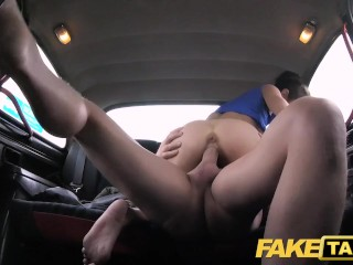 Russisch Fake Blondine Taxi Taxi: 11,777