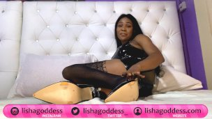 Mindfuck Model Lisha Queen Degrade Dominante, Laugh 'n Tease Foot Servey